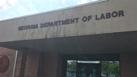 unemployment going in macon though some still struggle to find work wgxa