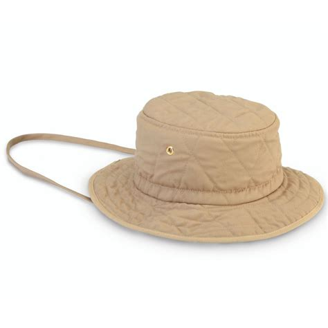 the ranger s evaporative cooling hat hammacher schlemmer
