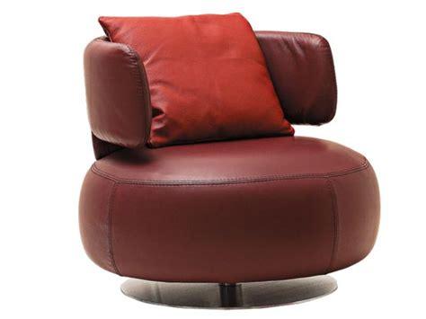 roche bobois fauteuil cuir fauteuil pivotant en cuir curl collection les