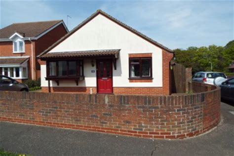 2 bedroom bungalow to rent bungalow to rent 2 bedrooms bungalow co4 property estate agents in colchester