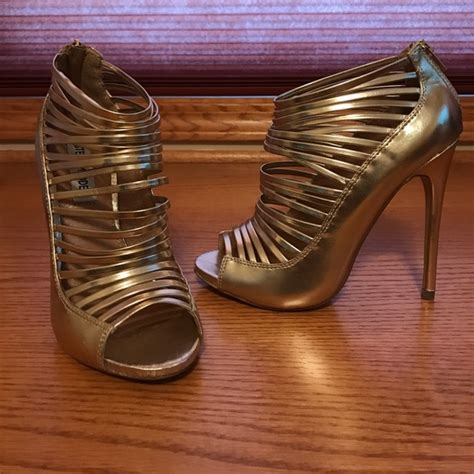 Steve Madden Shoes Size 2 by Steve Madden Steve Madden Gold Quot Quot Shoe Size 6 1 2 From Shari S Closet On Poshmark