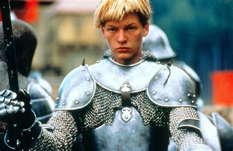 milla jovovich joan of arc short hair milla jovovich as joan of arc knights and ladies pinterest