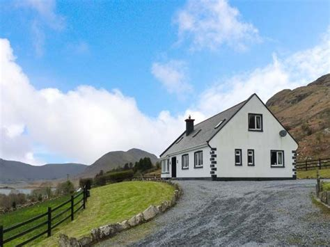 Weekend Cottage Breaks Ireland by Coillmor Clonbur County Galway Cong Self Catering