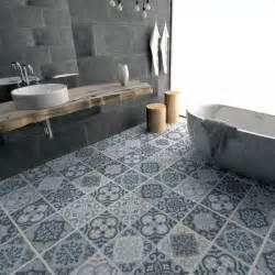 Bien Recouvrir Du Carrelage Salle De Bain #1: carrelage-adhesif-carreaux-ciment-sol-salle-de-bain.jpg