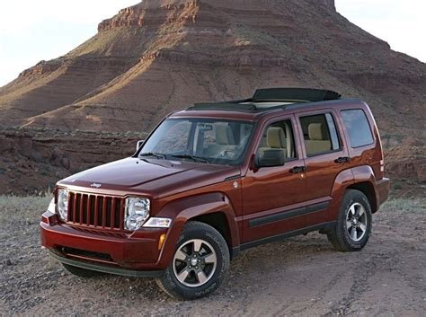 jeep commander vs liberty 2009 jeep liberty overview cargurus
