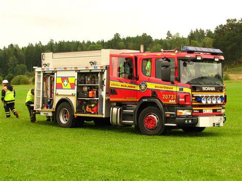 file scania firetruck jpg wikimedia commons