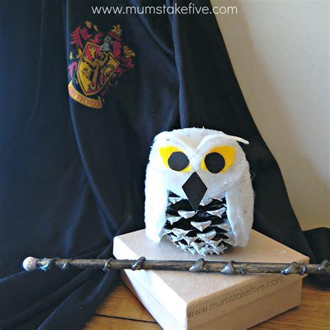 Tippytoe Crafts Pine Cone Snowy Owls - crafts