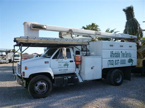 service supplies equipment crew 171 affordable tree service las vegas nv