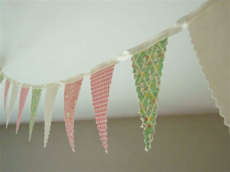 How To Make Paper Bunting Garland - how to make fabric and paper garland handmadeology
