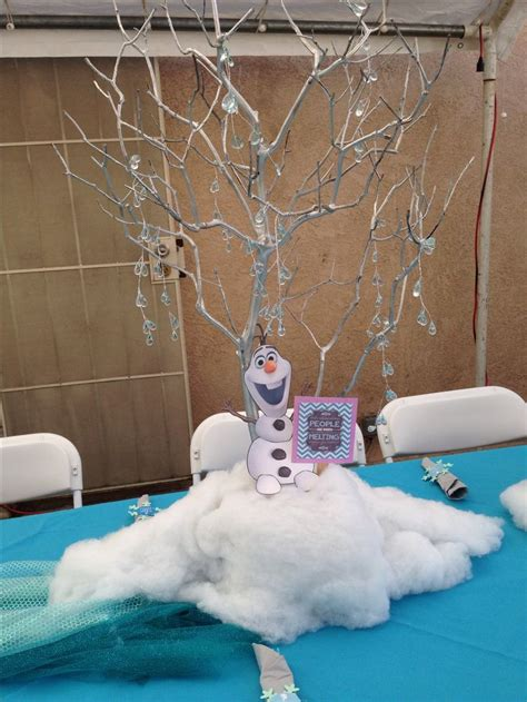 frozen table centerpieces mesas frozen and snow on
