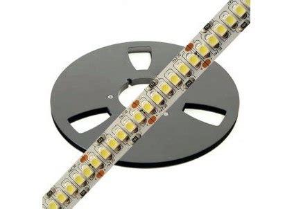 Lu Led Per Meter 240 leds per meter strips voor een egaal lichtbeeld www