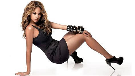 imagenes hot beyonce sexy beyonce hd wallpaper mayco oil pinterest