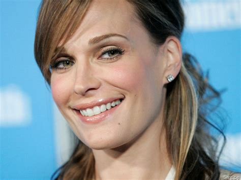 Molly On The molly molly sims wallpaper 806608 fanpop