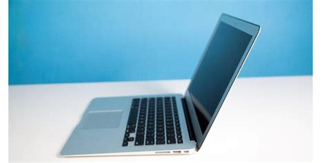 Macbook Air Hari Ini tahun ini apple bakal rilis macbook air versi murah oketekno