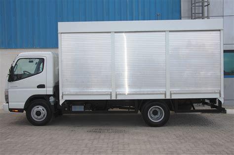water mitsubishi mitsubishi fuso canter water carrier 4x2 cargo trucks