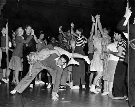 4 Mid 1930s Swing Dance Mass Historia
