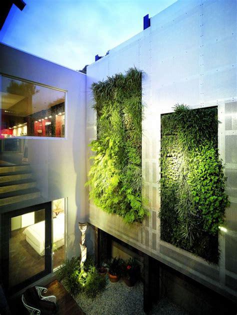 Green Wall Vertical Garden 20 Cool Vertical Garden Walls Home Design And Interior