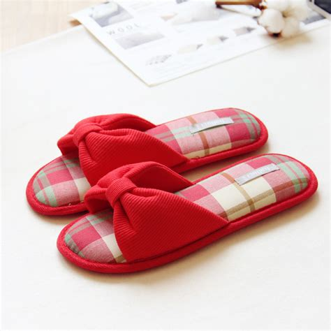 bulk house slippers wholesale house slippers 28 images wholesale house slippers 350 ct gaylords