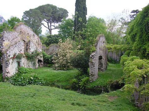 ninfa giardino file giardino di ninfa rovine della citt 224 jpg