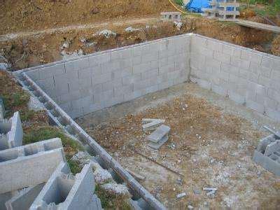 Monter Un Mur En Brique 624 d 233 finition blocs 224 bancher futura maison