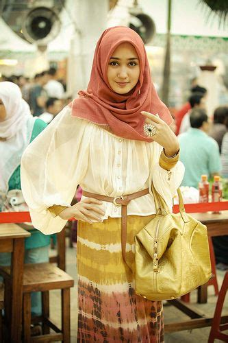 biography desainer dian pelangi 27 best images about hijab style on pinterest hijab