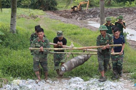 backyard bomb man finds 225 kg vietnam war bomb in backyard society