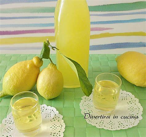 preparazione limoncello fatto in casa limoncello fatto in casa ricetta semplice divertirsi in