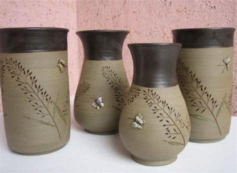 Pot Anggrek Grabah Tanah Liat jenis pot bunga tanaman serta kelebihan dan kekurangannnya