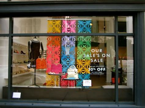 Lacoste Zapato Abu running store window displays window displays