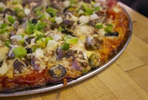 clyde pizza house the best pizza places in louisville best louisville pizza