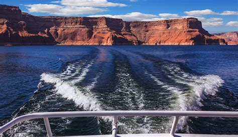 house boat grand canyon houseboating on lake powell near the grand canyon my
