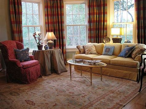 describe the room that roderick usher is staying in usher in world charm with traditional living room furniture