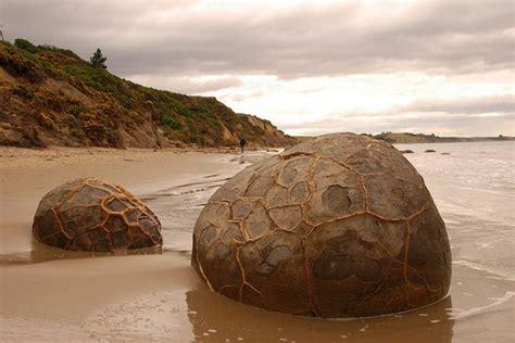 imagenes hermosas de nueva zelanda the moeraki boulders new zealand world for travel