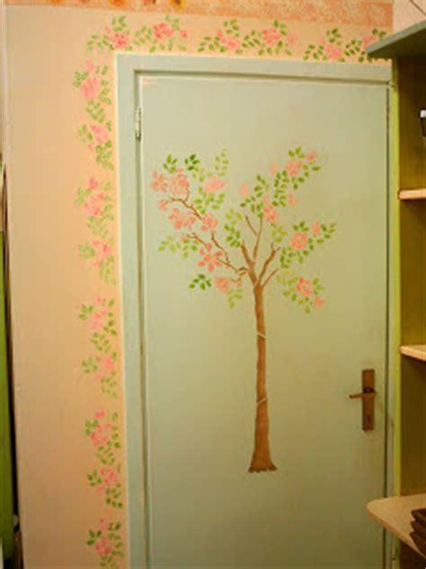 stencil per porte delizioso d 233 coupage stencil decorativo su parete