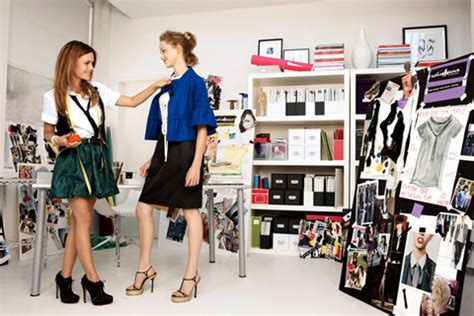 Fashion Internships 4 by 10 Do S Don Ts Of Interning In The Fashion Industry