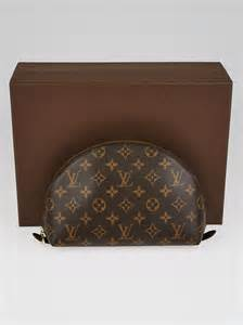 louis vuitton monogram canvas cosmetic pouch gm bag