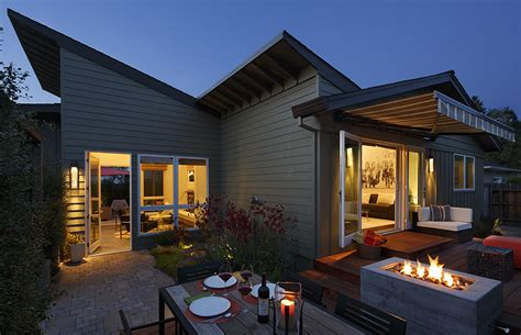Modern Cottages Healdsburg by Delightful Modern Cottage Inducing A Warm Family