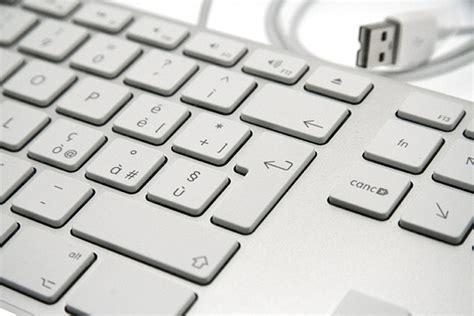 piedistallo tastiera apple imac 20 quot e time capsule praticit 224 e design pagina