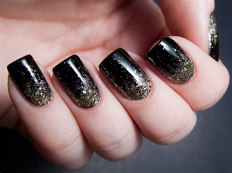 Nail Varnish Designs by Sensational And Sumptuous Gold And Black Nail Designs
