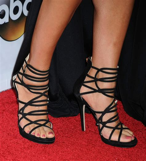sandra oh s feet