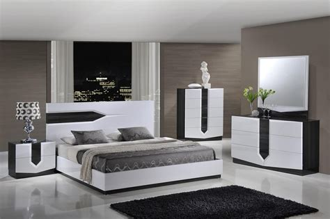 White Or Black Bedroom Furniture by Black And White Bedroom Furniture