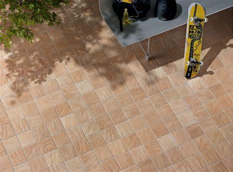 pavimenti per esterni in gres porcellanato pavimento per esterni in gres porcellanato alpi sella
