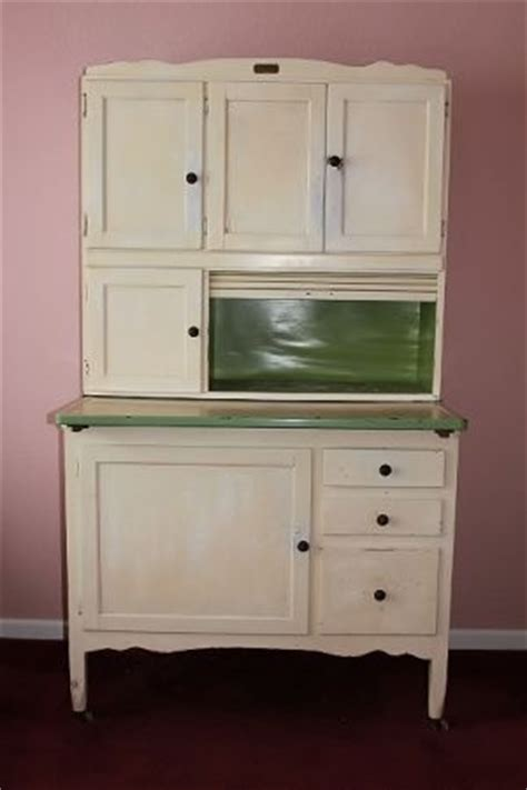 48 best images about hoosier sellers cabinets on woodworking plans vintage bakery