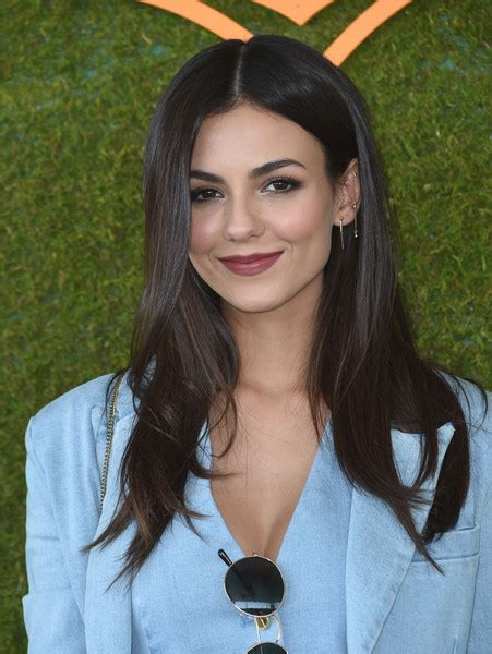 cheap haircuts victoria park victoria justice long center part hair lookbook