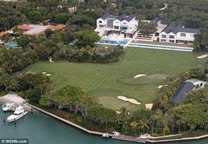 tiger woods house a gaping gap in tiger woods 60 million mansion puts property at risk of sinking daily mail