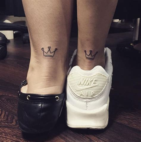 crown tattoo small best 25 small crown ideas on crown