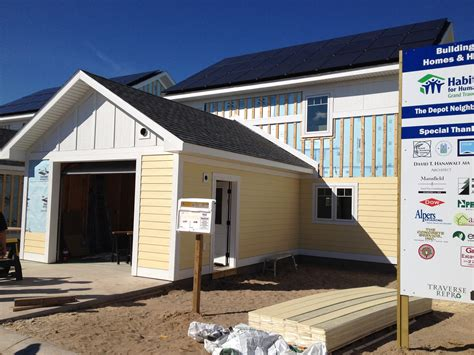 grand traverse habitat for humanity depot neighborhood