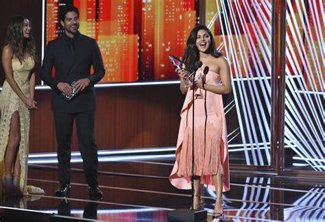 priyanka chopra english speech fast news priyanka chopra wins second people s choice