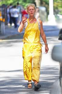 claire danes yellow jumpsuit claire danes in yellow jumpsuit 08 gotceleb