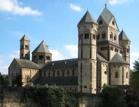 And Romanesque Cathedrals Essay spaethwesternciv essay romanesque vs architecture